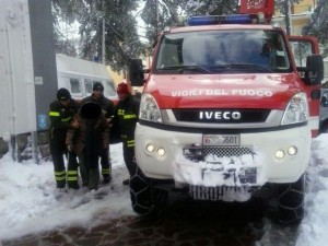 dializzati trasportati dai vigili del fuoco