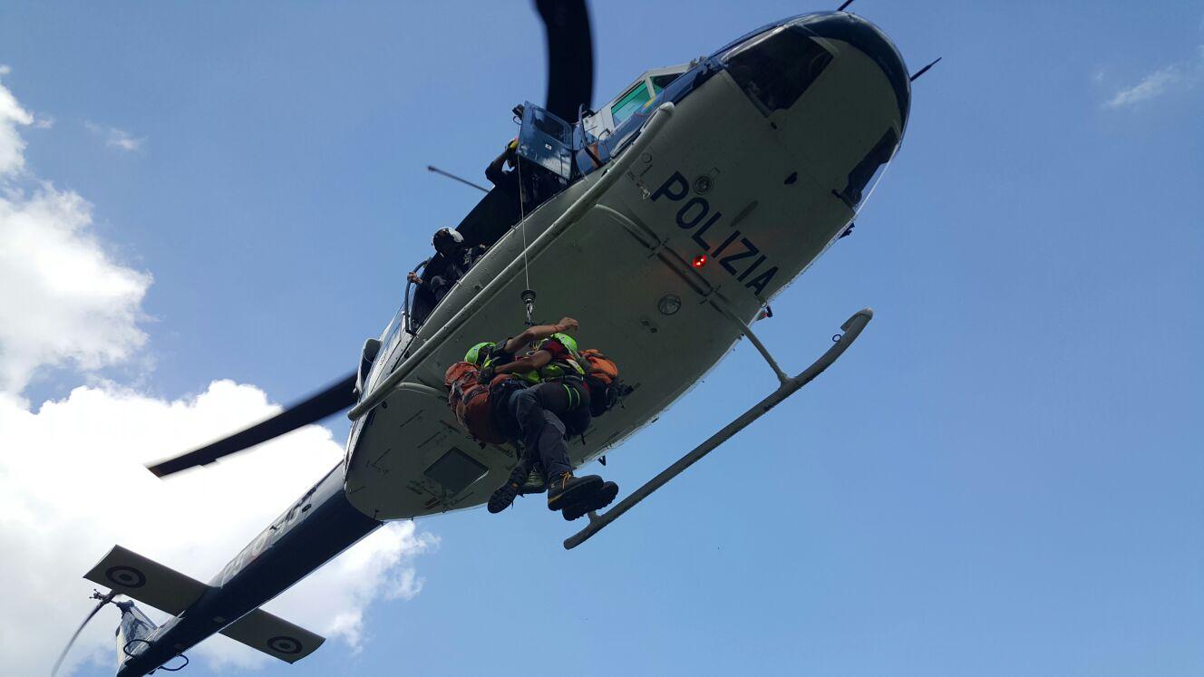 L Elicottero Arra Pdf : Escursionista molisana ferita soccorsa in elicottero l eco