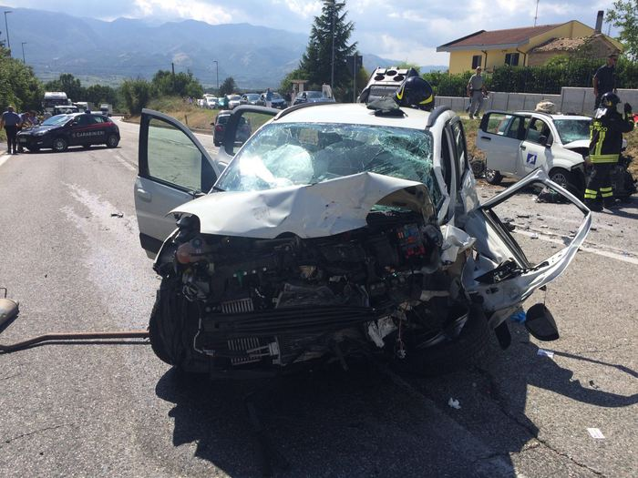 Campobasso, un morto e tre feriti in incidente su statale 87