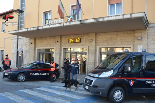 Lecco: Gdf sequestra 325 chili di hashish, arrestati due trafficanti