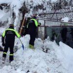 Italy quake, Abruzzo hotel hit by avalanche snow