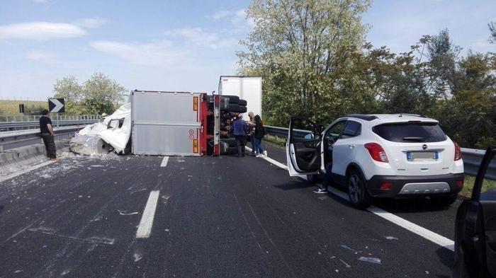 Incidente A14, coda di 2 chilometri tra Ortona Pescara sud/Francavilla