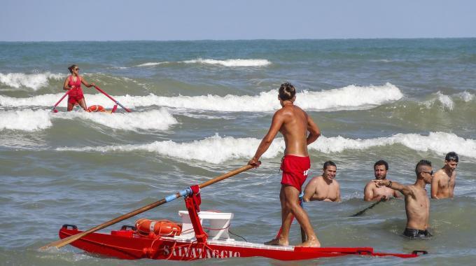 Trascinato via dalla corrente, bimbo annega in Abruzzo