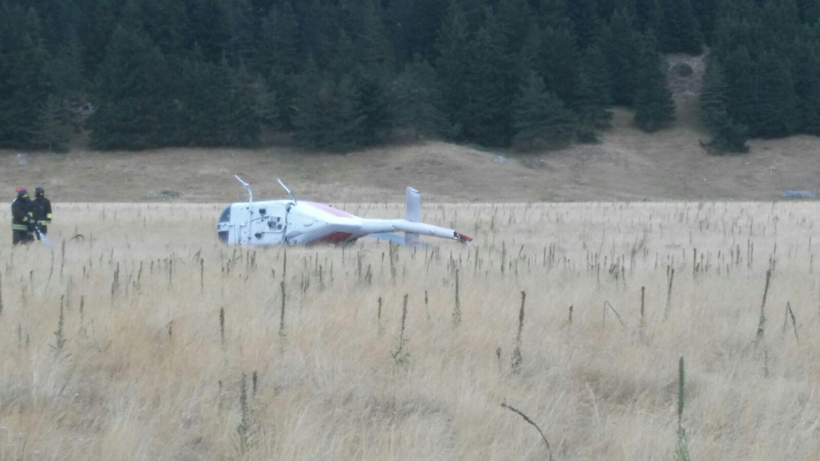L Elicottero Arra Pdf : Precipita elicottero dei vigili del fuoco tre feriti in