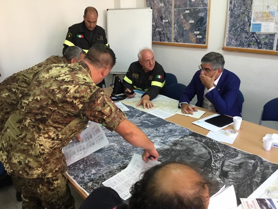 Allarme incendi, vigili del fuoco dall'Umbria in missione sul Monte Morrone