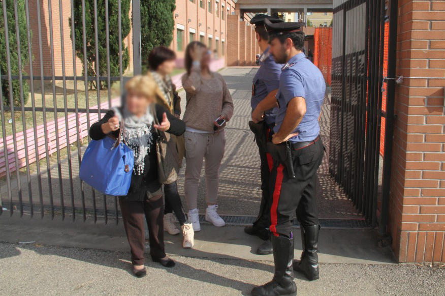 Pescara, maltrattava alunni: arrestata
