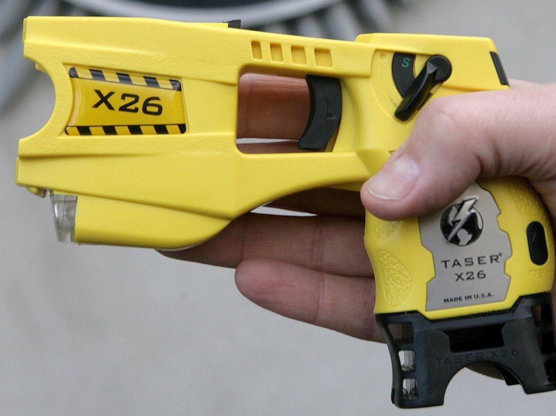 In sei città italiane la polizia avrà in dotazione il taser