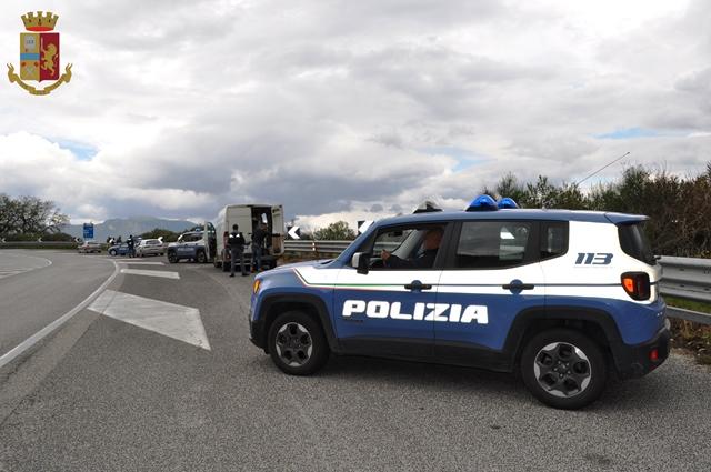100% autentico marchio popolare molte scelte di Alunni in gita senza cinture di sicurezza: la Polstrada fa ...