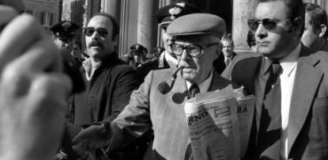 Sandro Pertini walks away from Parliament during a demonstration against Herbert Kappler in Rome, Italy, 15, November 1976. ANSA/OLDPIX  Sandro Pertini si allontana dal Parlamento durante una manifestazione contro Herbert Kappler a Roma, Italia, 15 novembre 1976. ANSA/OLDPIX