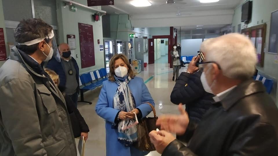 Covid, Abruzzo verso zona rossa e lockdown: attesa l'ordinanza